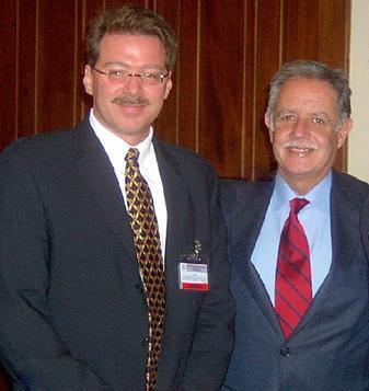 Sr. Pietrobono con el presidente Oscar Berger